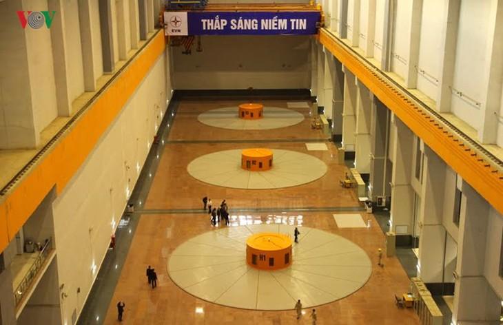 Meresmikan pabrik hydro listrik Lai Chau - ảnh 8