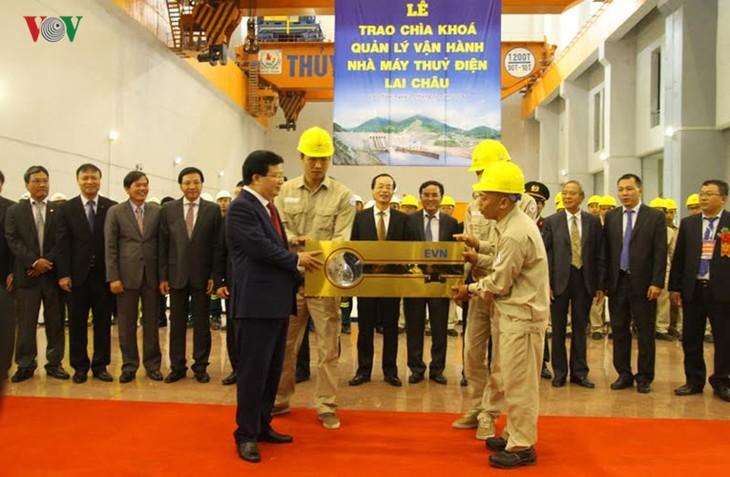 Meresmikan pabrik hydro listrik Lai Chau - ảnh 5