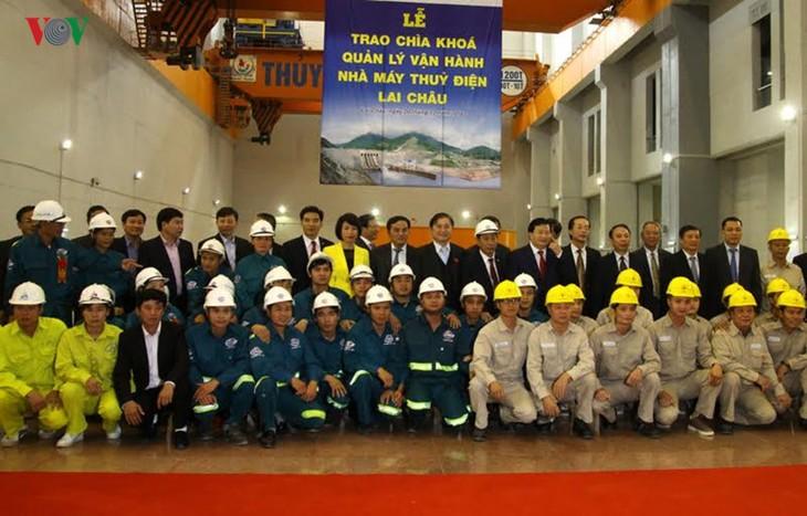 Meresmikan pabrik hydro listrik Lai Chau - ảnh 6