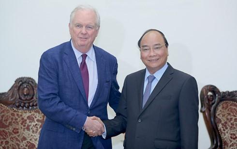 PM Vietnam, Nguyen Xuan Phuc menerima Profesor, Thomas Vallely dari Universitas Harvard, AS - ảnh 1