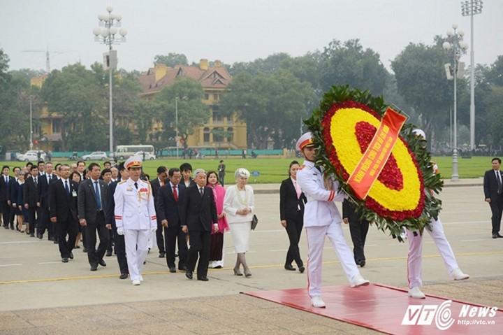 Kaisar dan Permaisuri Jepang melakukan kunjungan Kenegaraan di Vietnam - ảnh 7