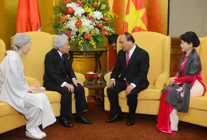 Kaisar dan Permaisuri Jepang melakukan kunjungan Kenegaraan di Vietnam - ảnh 16