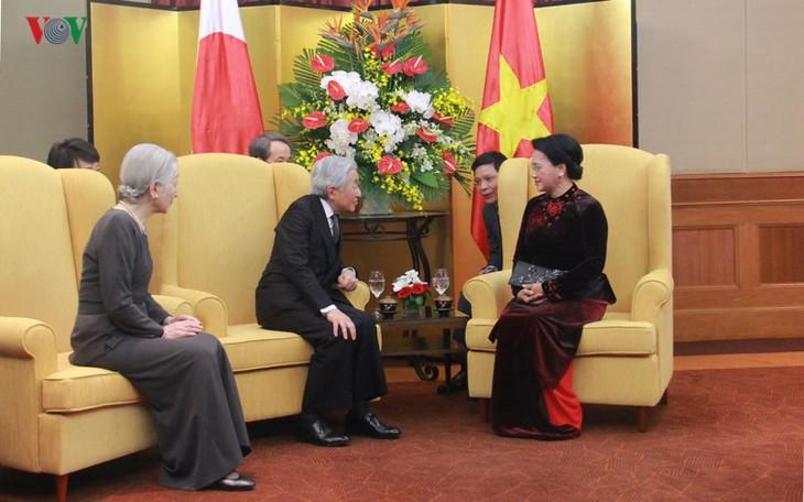Kaisar dan Permaisuri Jepang melakukan kunjungan Kenegaraan di Vietnam - ảnh 12