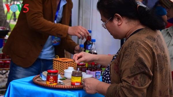 Pembukaan Pekan raya pertama hasil pertanian, kerajinan tangan industri kecil Vietnam - ảnh 9