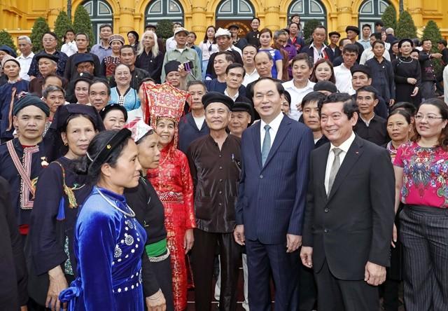 Memecahkan secara harmonis antara pelestarian, pengembangan pusaka budaya nasional dengan perkembangan sosial-ekonomi - ảnh 1