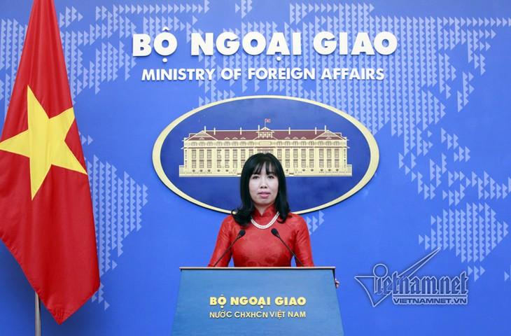 Vietnam dengan tegas memprotes keputusan Tiongkok tentang larangan menangkap ikan di Laut - ảnh 1