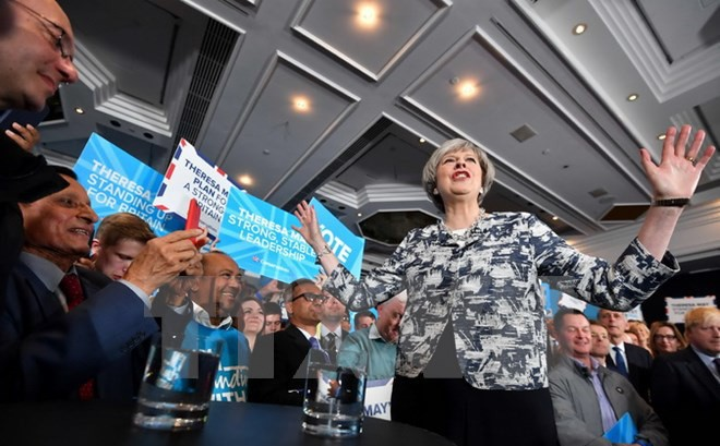 Pemilih Inggeris mulai memberikan suara pada latar belakang keamanan diperketat - ảnh 1