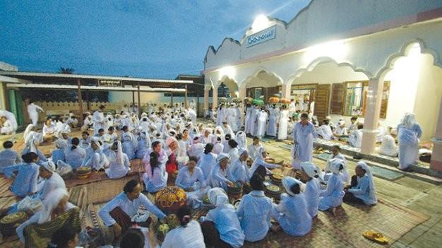 Ibadah puasa yang dijalankan komunitas orang Cham Bani di  propinsi di Ninh Thuan  - ảnh 2