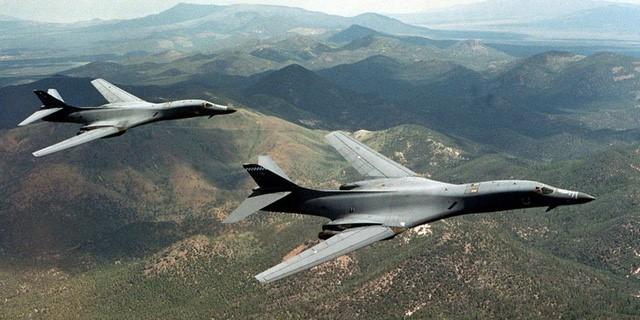 AS  mengirim pesawat pembom strategis ke semenanjung Korea - ảnh 1