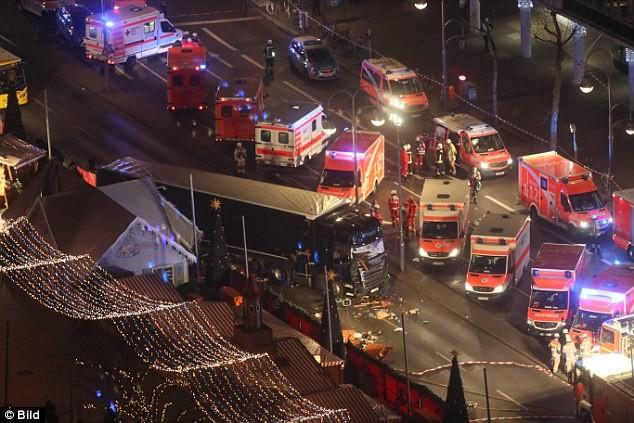 Kasus truk menabrak pejalan kaki di Inggeris: Pelaku utama dituduh bersangkutan dengan terorisme - ảnh 1