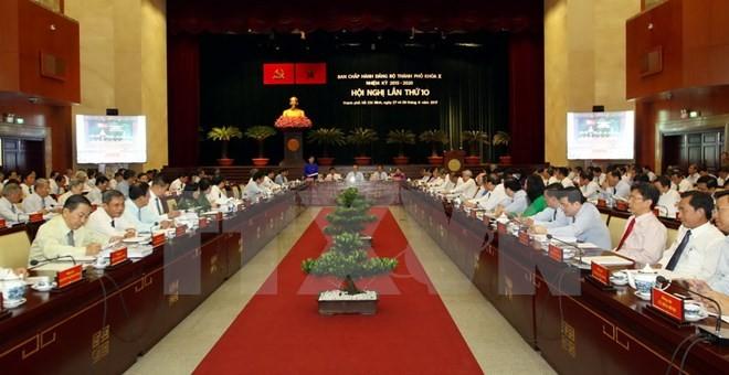 Kota Ho Chi Minh meningkatkan daya guna dan hasil guna pengelolaan Negara dalam pengembangan ekonomi - ảnh 1