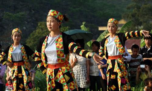 Permusikan dan nyanyian lagu rakyat dari warga etnis minoritas Lo Lo - ảnh 1