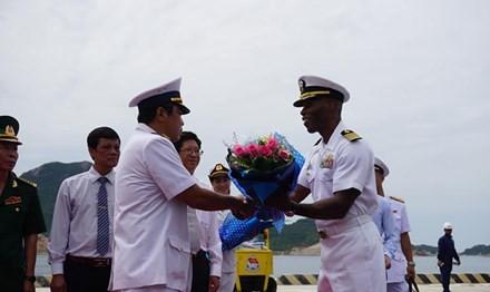 Program temu pergaulan ke-8 Angkatan Laut Vietnam-Amerika Serikat - ảnh 1