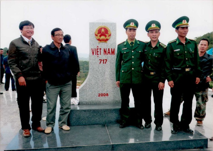 Membangun garis perbatasan yang damai dan bersahabat antara  provinsi Quang Nam (Vietnam) dan provinsi Se Kong (Laos) - ảnh 1