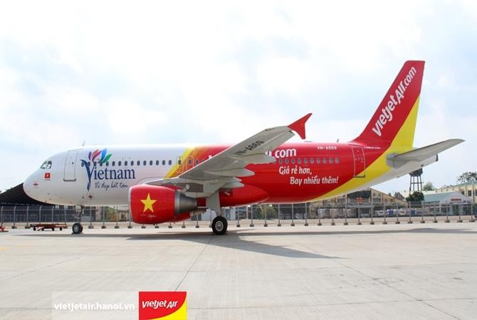 Vietnam sedang menggelarkan secara efektif  semua patokan keamanan penerbangan internasional - ảnh 1