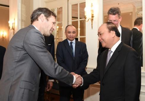Pemerintah Vietnam berkomitmen menciptakan semua syarat yang kondusif bagi para investor Belanda - ảnh 1