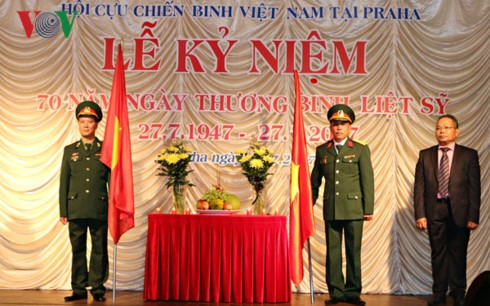 Memperingati ultah ke-70 Hari Prajurit Disabilitas dan Martir Vietnam diadakan di Republik Czech - ảnh 1