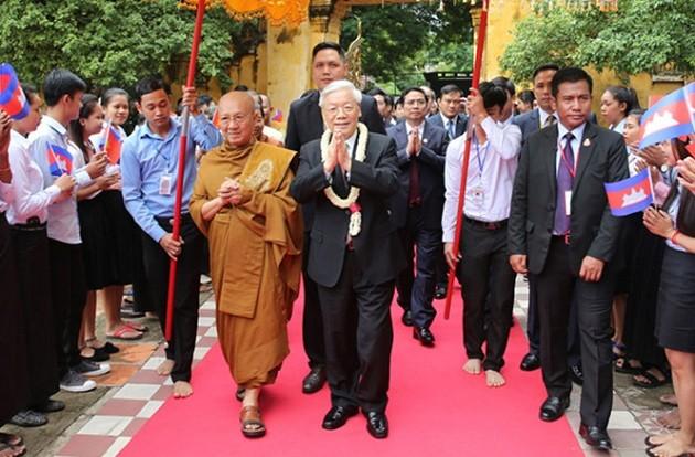 Meningkatkan hubungan Vietnam-Kamboja berkembang secara stabil dan berkesinambungan - ảnh 2