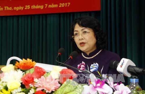 Pertemuan  para Anggota Komite Partai dari KODAM dari berbagai periode - ảnh 1