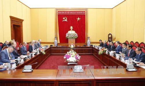 Memperkuat hubungan kerjasama antara Kementerian Keamanan Publik Vietnam dan Dewan Keamanan Nasional Federasi Rusia - ảnh 1