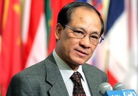 ASEAN menyeimbangkan  kepentingan jangka pendek nasional dengan kepentingan bersama jangka panjang  - ảnh 1