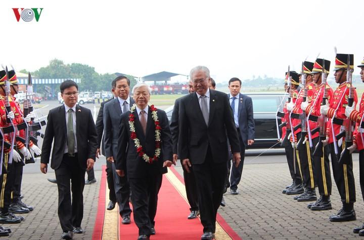 Sekjen KS PKV Nguyen Phu Trong memulai kunjungan resmi di Indonesia - ảnh 3