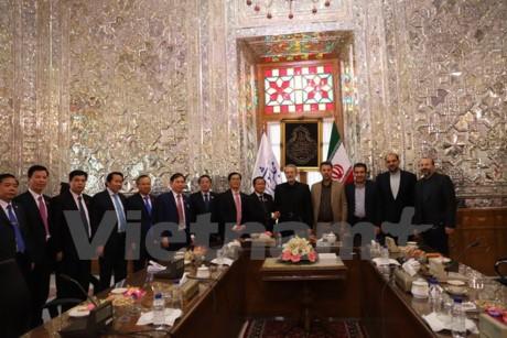 MN Vietnam dan Parlemen Iran sepakat memperkuat kerjasama di banyak bidang - ảnh 1