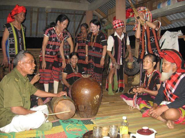 Seni musik rakyat dari warga etnis minoritas Pa Ko - ảnh 1