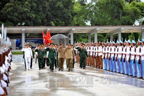 Delegasi militer tingkat tinggi Vietnam melakukan kunjungan resmi di Kuba - ảnh 1