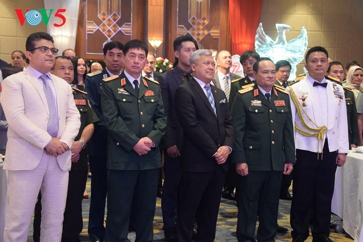 Peringatan ultah ke-72  berdirinya TNI (1945-2017) di Kota Hanoi - ảnh 4