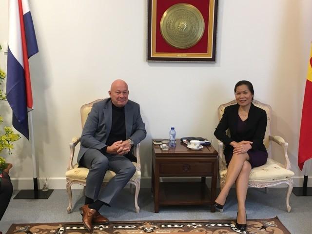 Organisasi konsultasi PUM Belanda menganggap Vietnam sebagai titik berat prioritas pada tahun 2017 - ảnh 1