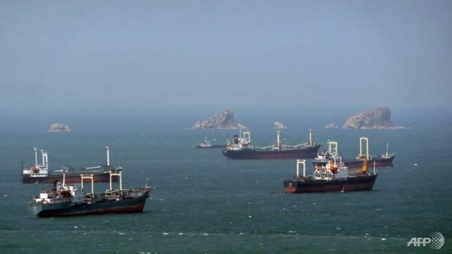 PBB menjatuhkan sanksi terhadap kapal-kapal yang melanggar sanksi terhadap RDRK - ảnh 1