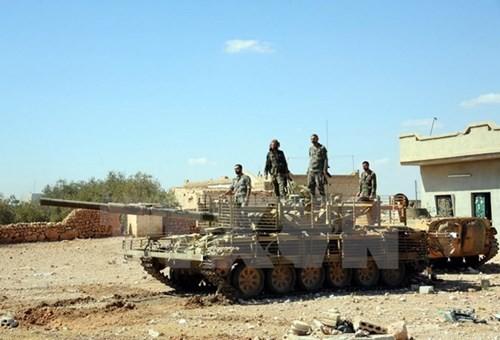 IS melakukan serangkaian serangan bom bunuh diri di Suriah yang menimbulkan korban besar - ảnh 1