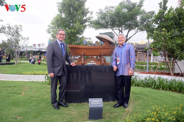 Istimewa-nya Taman patung APEC di Kota Da Nang, Vietnam Tengah - ảnh 3