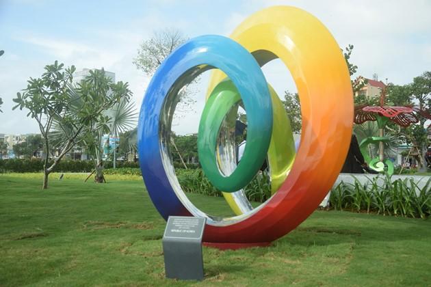 Istimewa-nya Taman patung APEC di Kota Da Nang, Vietnam Tengah - ảnh 6