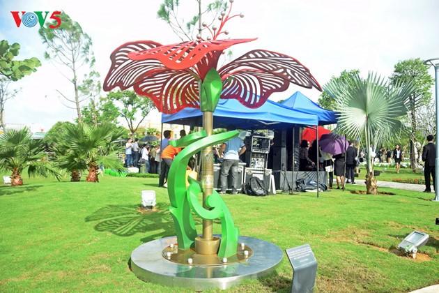 Istimewa-nya Taman patung APEC di Kota Da Nang, Vietnam Tengah - ảnh 9