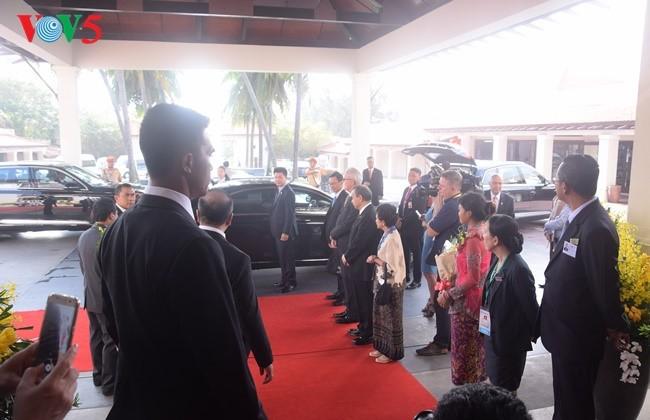 Presiden Indonesia, Joko Widodo tiba di Vietnam untuk menghadiri Pekan Tingkat Tinggi APEC 2017 - ảnh 2