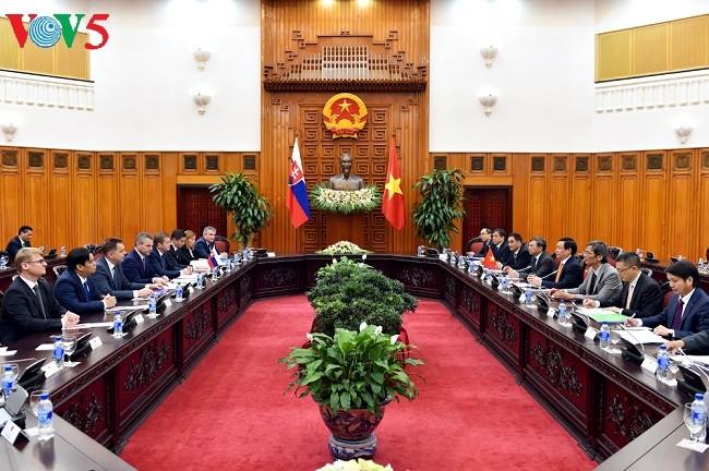 Vietnam dan Slovakia memperkuat kerjasama ekonomi ke ketinggian baru - ảnh 1