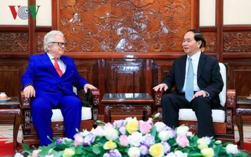 Чан Дай Куанг принял послов зарубежных стран во Вьетнаме - ảnh 1