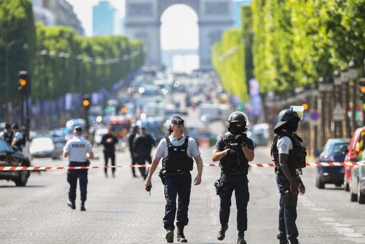 ИГ взяло на себя ответственность за совершение терактов в Бельгии и Франции - ảnh 1