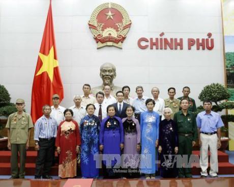 Партия и государство Вьетнам уделяют особое внимание заботе о людях, имеющих заслуги перед Родиной - ảnh 1