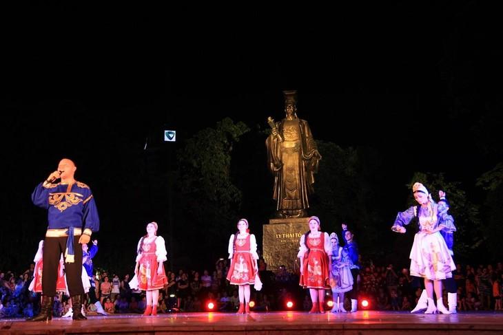 Русские мелодии в центре Ханоя - ảnh 6