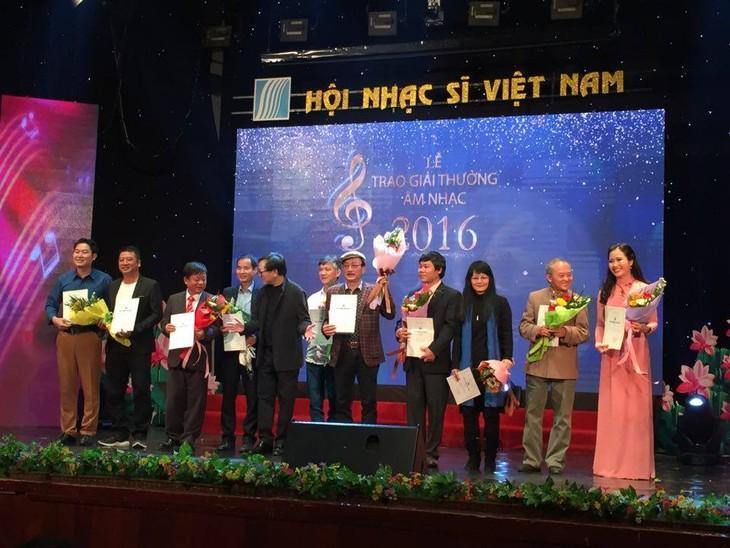越南音乐家协会颁发2016年音乐奖 - ảnh 1