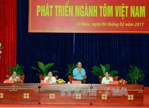 阮春福:2025年越南虾出口力争达100亿美元 - ảnh 1