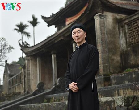"""范生珠大使在春雨中展示""""奥黛""""之美 - ảnh 2"""