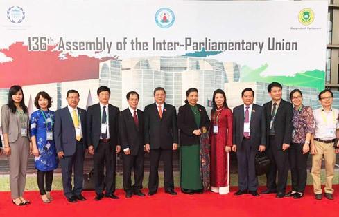 越南出席议联第136届大会全体会议和执行委员会会议 - ảnh 1
