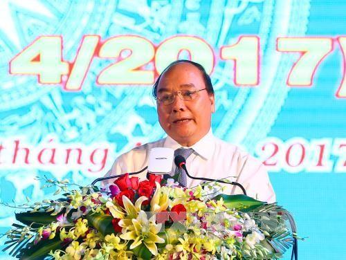 阮春福出席朔庄省重新建省25周年纪念大会 - ảnh 1