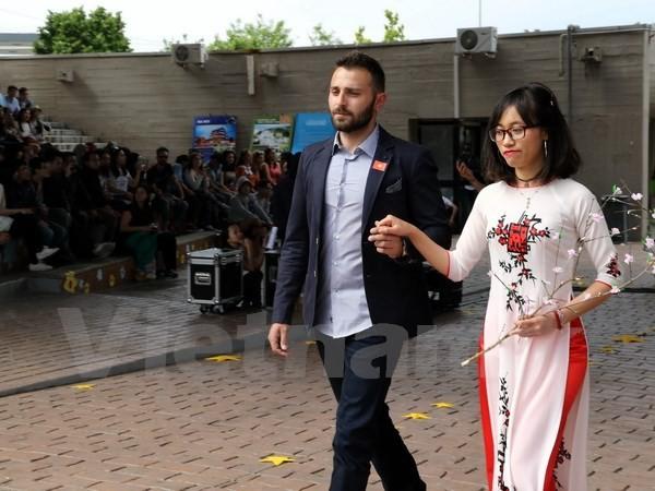 Tưng bừng Liên hoan sinh viên Việt Nam tại Italy 2017 - ảnh 2