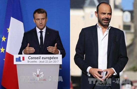 法国总统马克龙和总理菲利普的支持率持续上升 - ảnh 1
