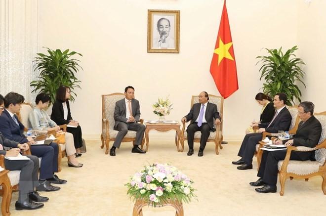 越南政府总理阮春福会见韩国驻越大使金度铉 - ảnh 1